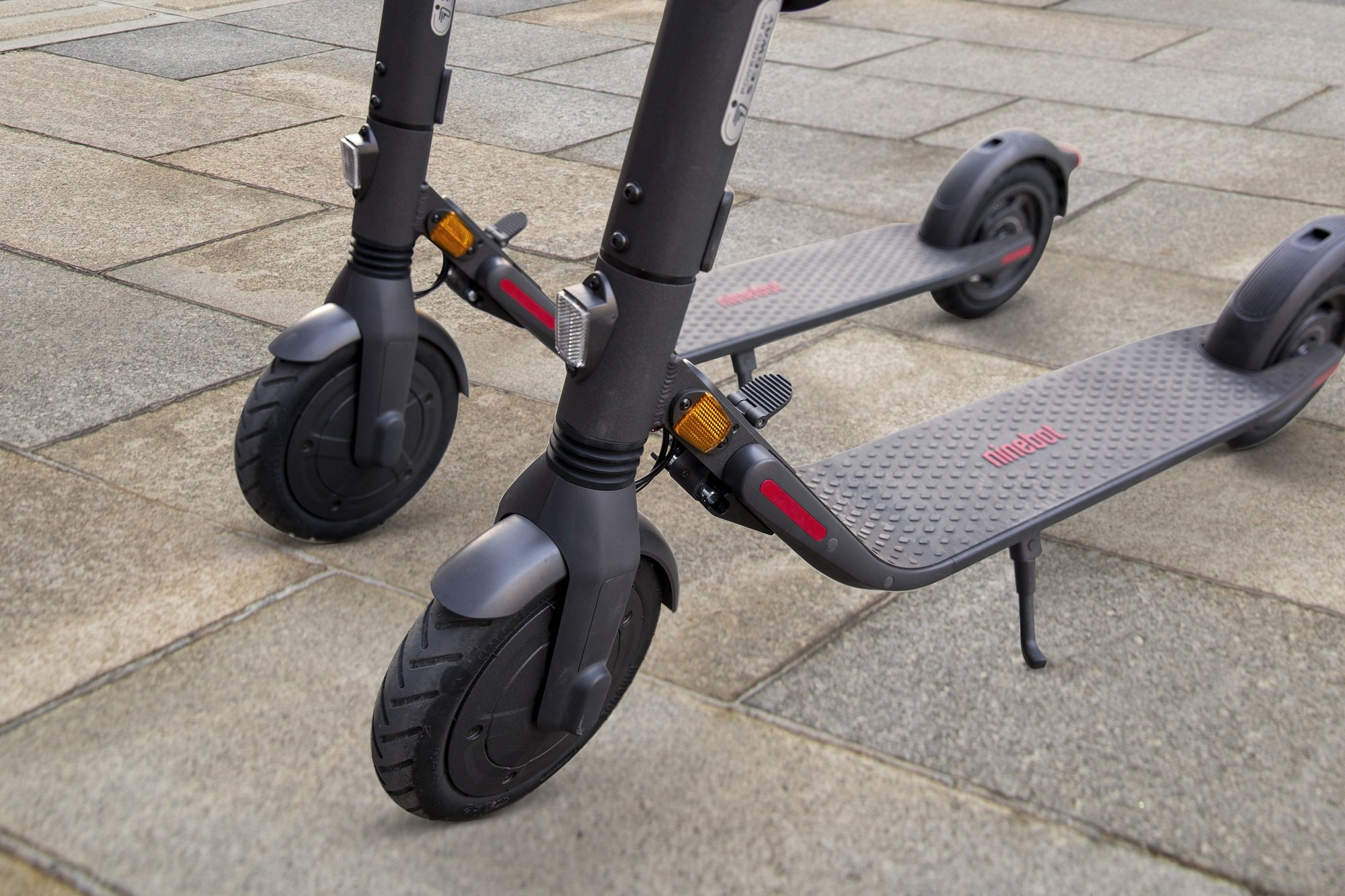Segway Ninebot E45E Electric Scooter   Expert Opinion 1